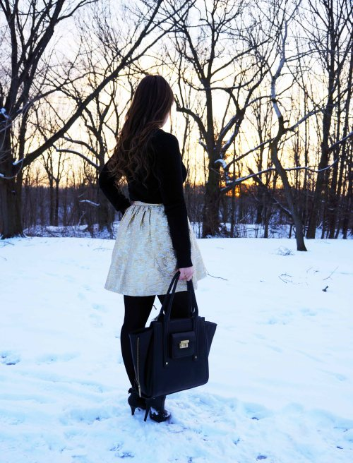 Watching_Sunset_Winter_Canadian_Fashion_Blogger