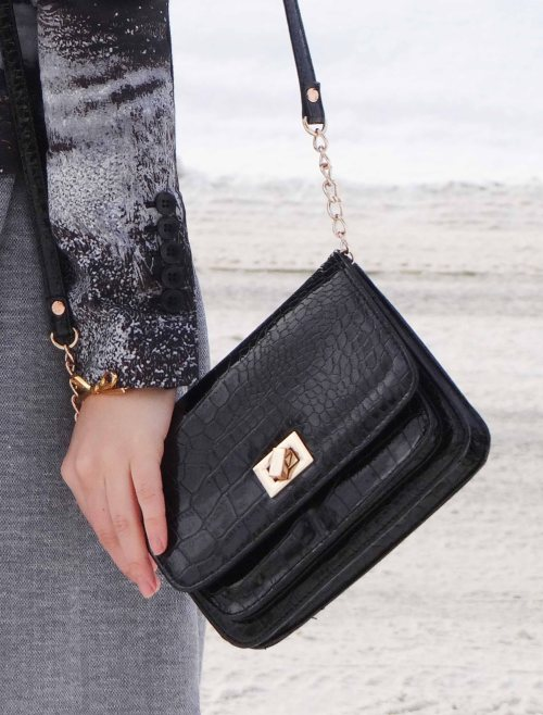 Black-Crossbody-Handbag-Aldo-Fashion_Blog