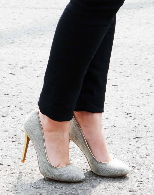 Chain-Like-Pumps-Gold-Heel-Le-Chateau-Shoes