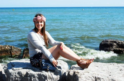 Hanging-Out-by-The-Beach-Toronto-Travel