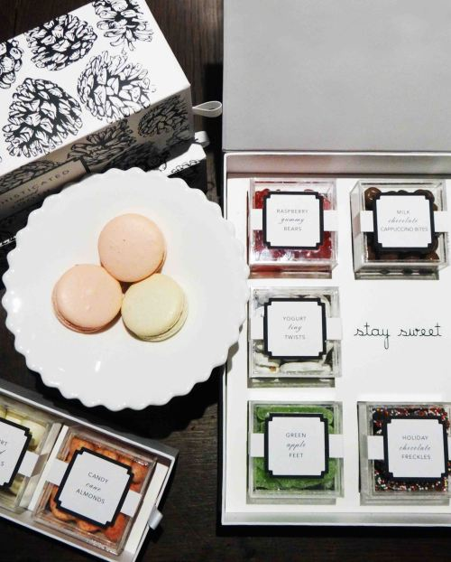 Petite-And-Sweet-French-Macarons-And-Customized-Sweet-Boxes