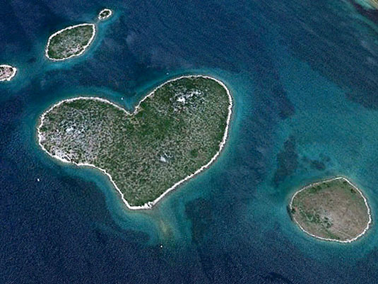 heart-galesnjak-island-croatia-travel-bucket-list
