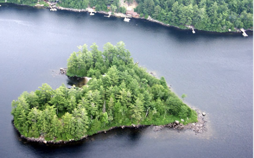 Heart-Shaped-Blueberry-Island-Quebec-Canada-Travel