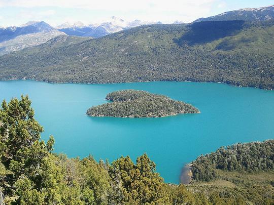Heart-Shaped-Island-Isla-Corazon-Argentina_Travel