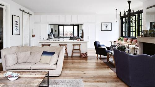 angela-mcdonald-home-french-inspired-living-room